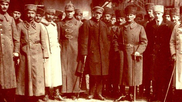 Atatürk'ün Komünist Olduğu Yalanı
