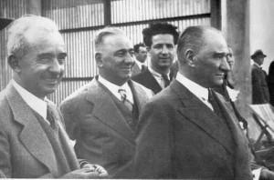 18 Haziran 1936 Yeşilköy'de Başbakan İsmet İnönü'yü Ankara'ya yolcularken