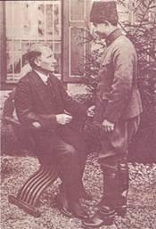 4 Haziran 1921  T.B.M.M. Başkanı Mustafa Kemal, II. İnönü  zaferinden sonra  Batı Cephesi Komutanı İsmet Paşa ile Çankaya'da