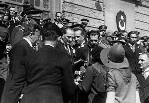 1 Temmuz 1927 Atatürk, Haydarpaşa Garında